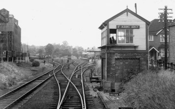 Abbey Stn 2 Approach circa 1960 ©