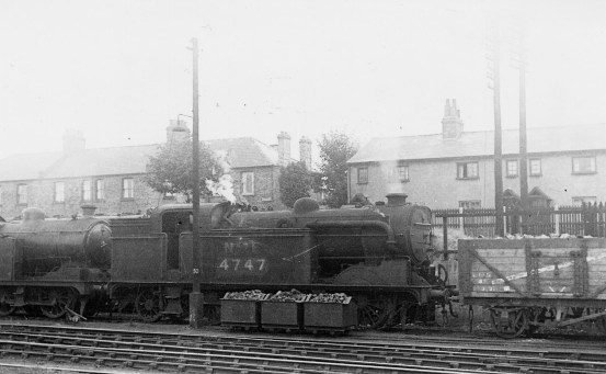 Branch Locos 11 N2 No 4747 Hatfield 1945 ©