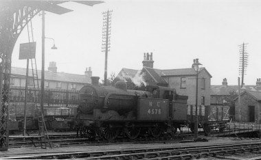 Branch Locos 12 N1 No 4575 Hatfield 1945 ©