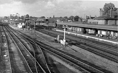Hatfield 1960s pltfm 3 on left