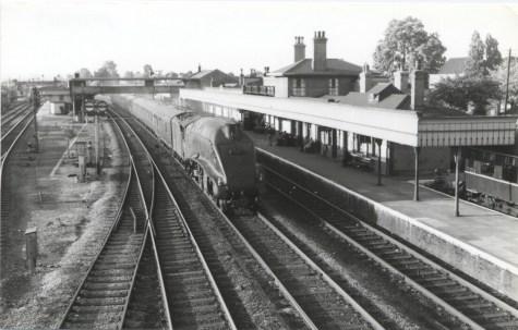 Hatfield 1961 unidentified A4 heads South