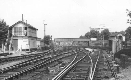 Hatfield No 3 Signal Box for St Albans Branch 1960 ©