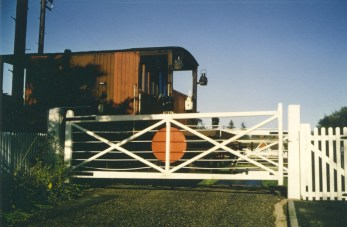 Nast Hyde Halt train to Smallford 1967 - 10