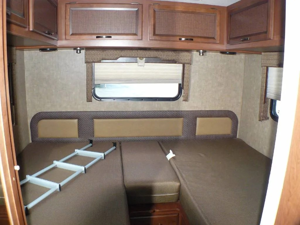 Small Travel Trailers With Twin Beds