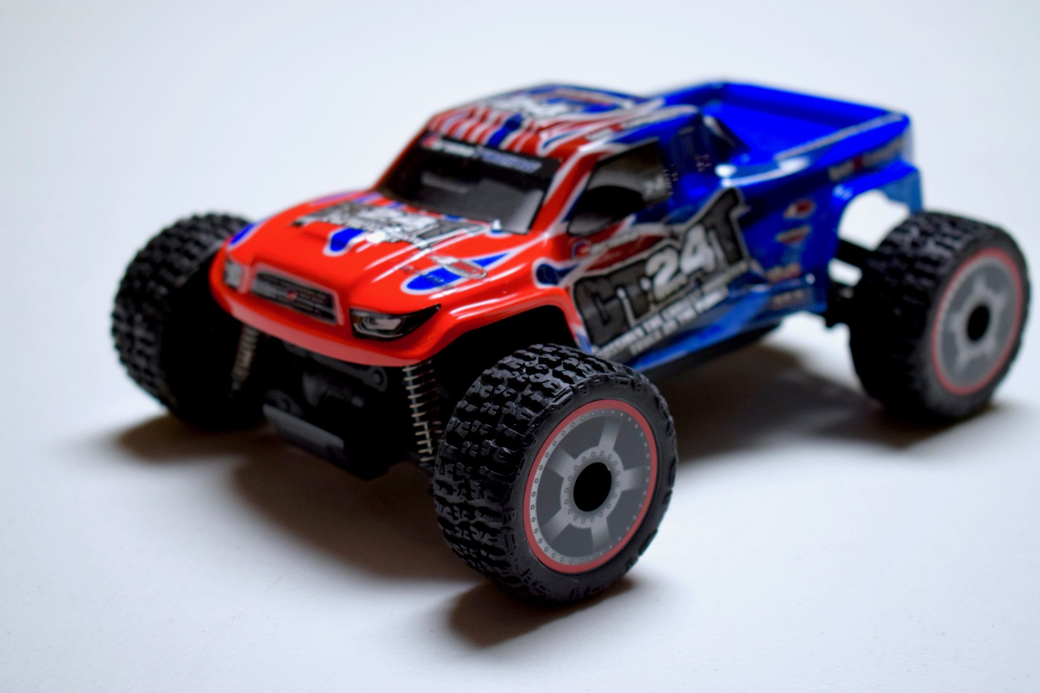 Review: Carisma GT24T R/C Monster Truck