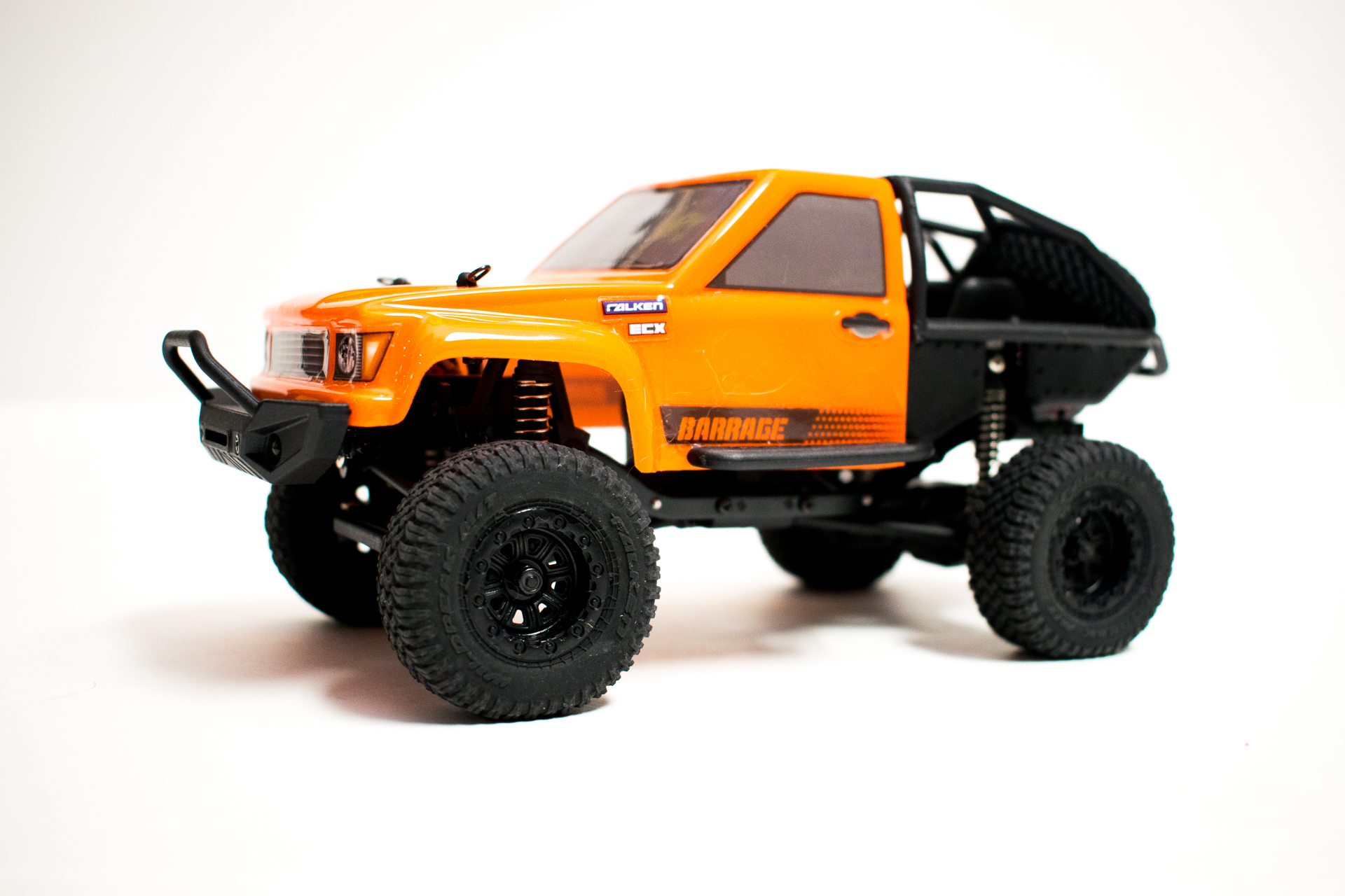 ECX Barrage 124 Side Front