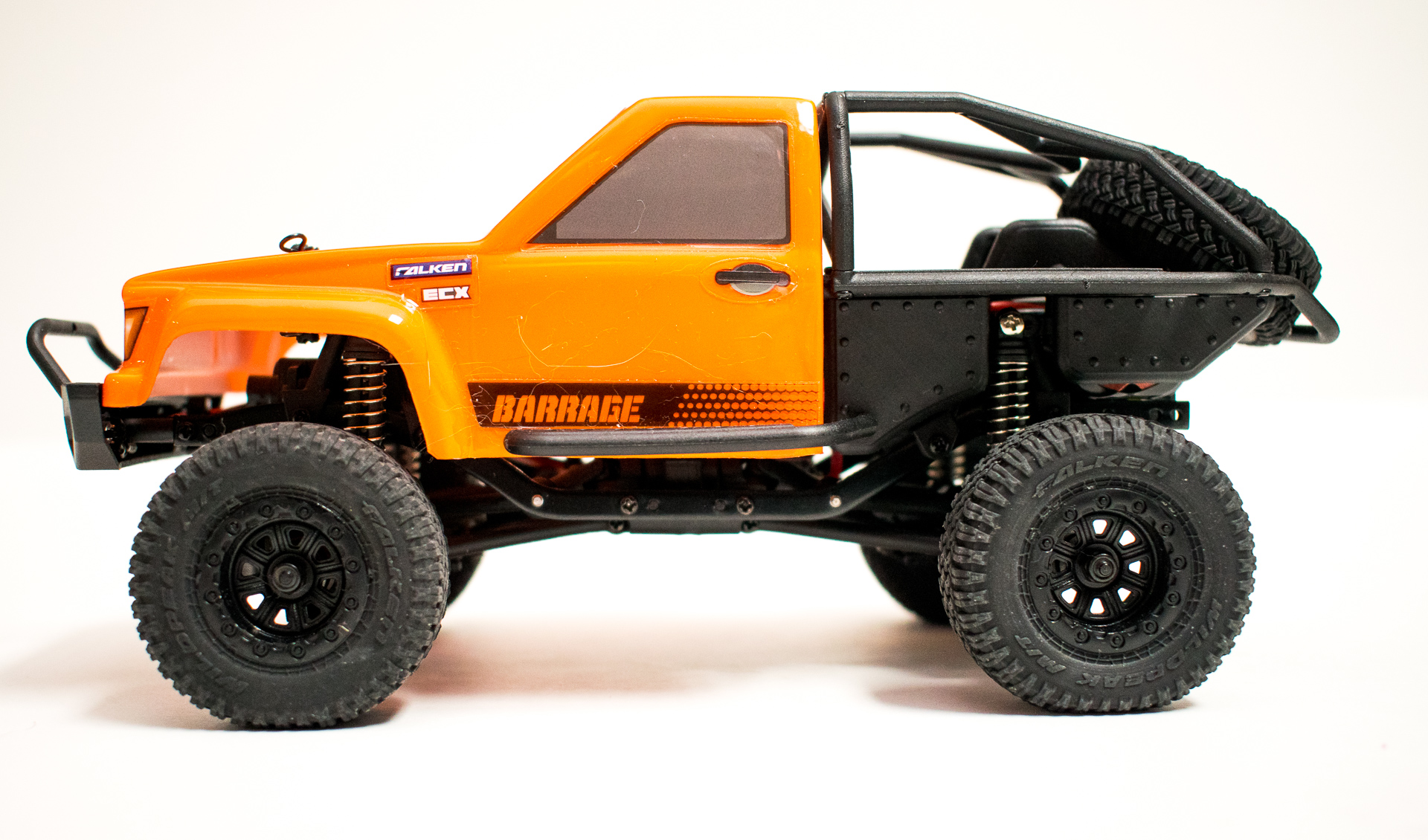 ECX Barrage 124 Side