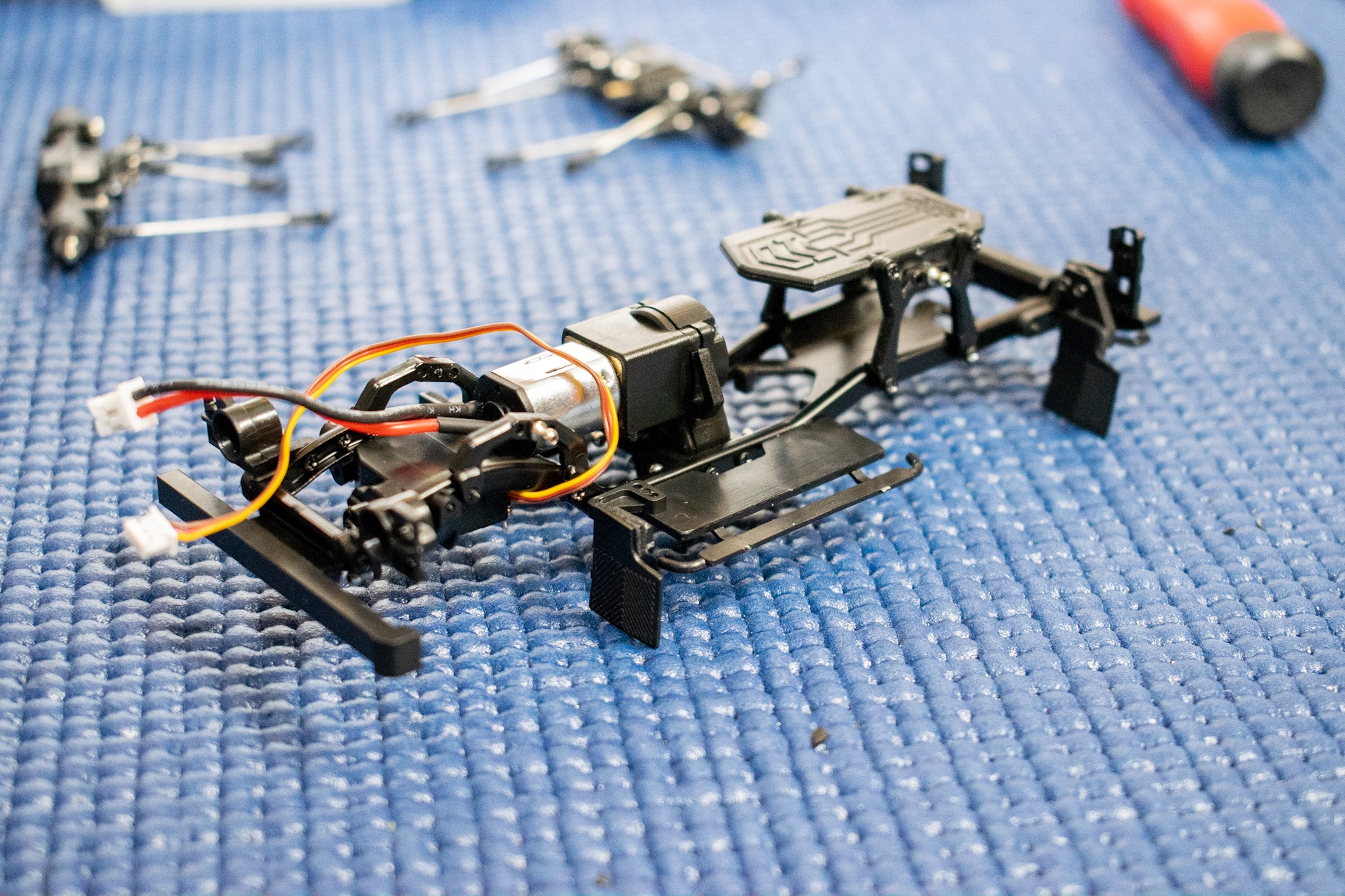 Building an Orlandoo Hunter OH32A03 – Motor Mounting and Chassis Assembly