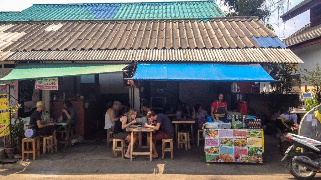 ristorante di strada a Pai in Thailandia
