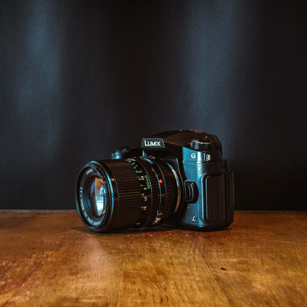 lumix G80 con adattatore filtro e lente canon vintage