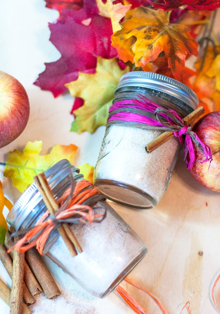 How perfect are these fall DIY bath salts?! Such a cute gift idea with the little mason jars. And who can go wrong with apple pie and pumpkin spice bath salts? Making these as DIY gifts this year for sure. Love the free printable jar labels, too!