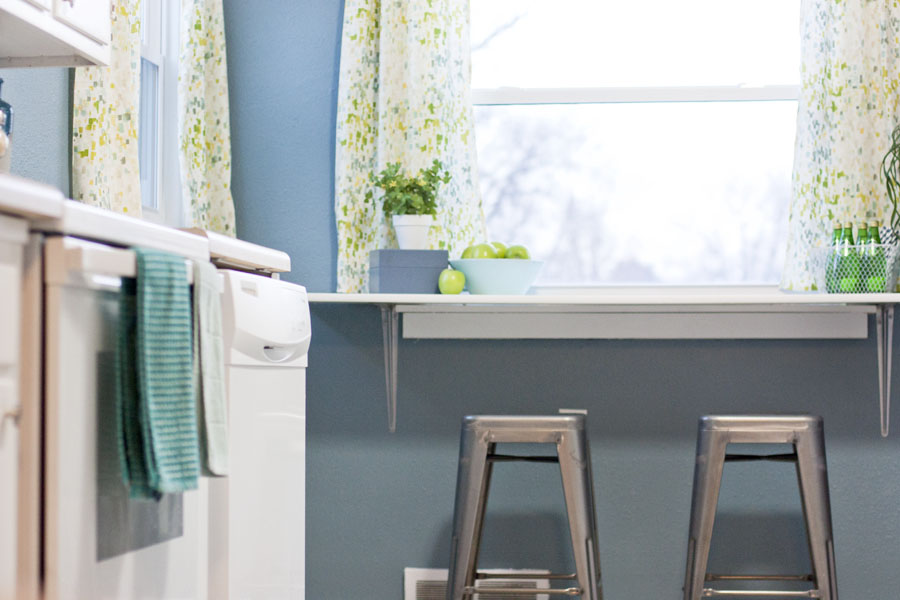 organized-blue-kitchen