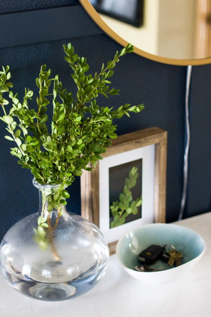 greenery-and-bowl-for-keys-in-entryway