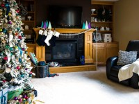 Thrifty And Colorful Christmas Decor Ideas In The Living Room