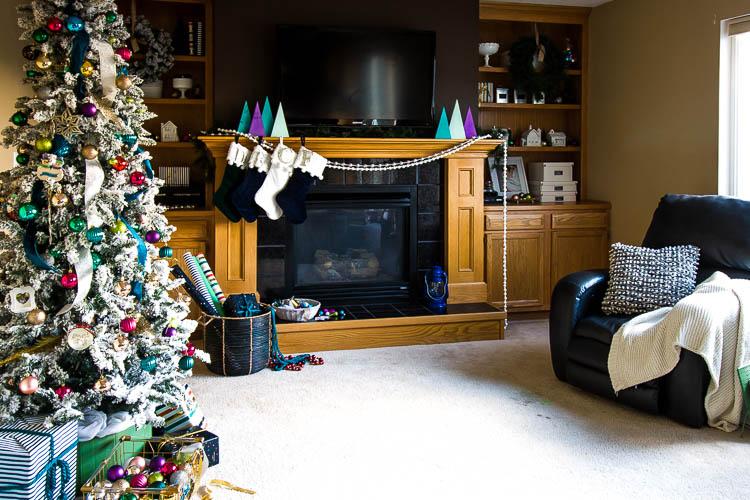 colorful-christmas-living-room