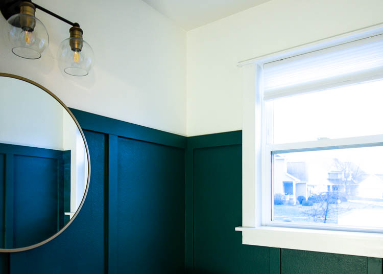 green-bathroom-walls