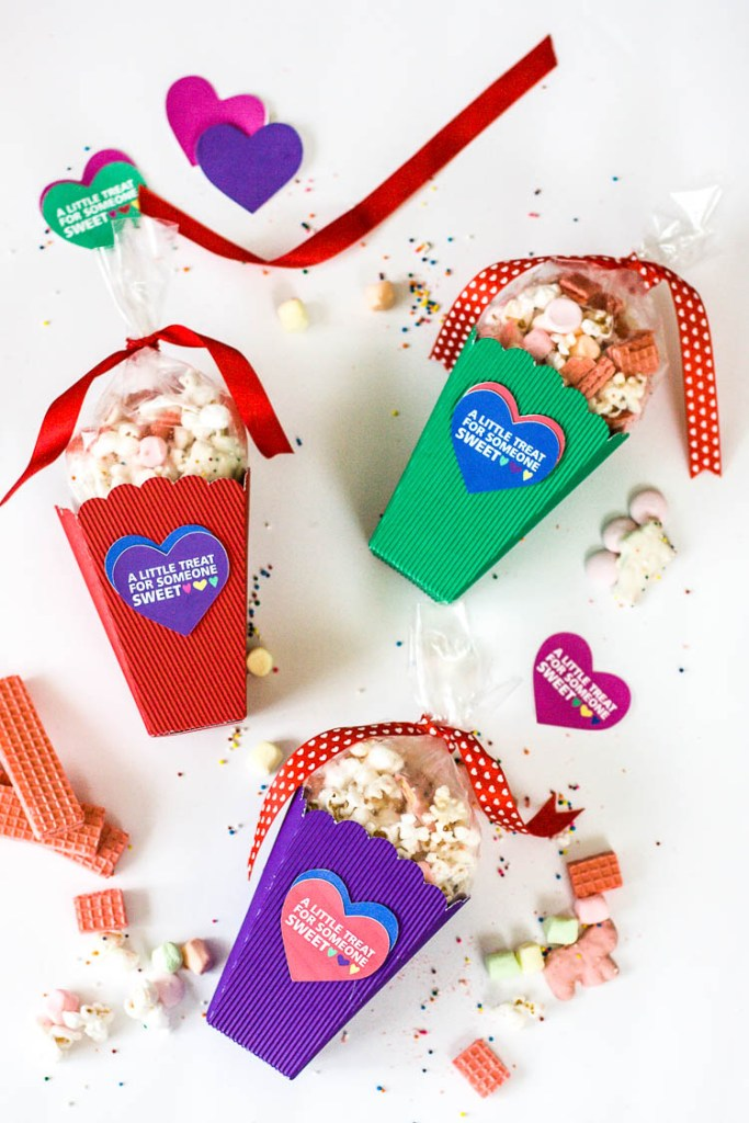 colorful-treat-boxes-for-valentines-day