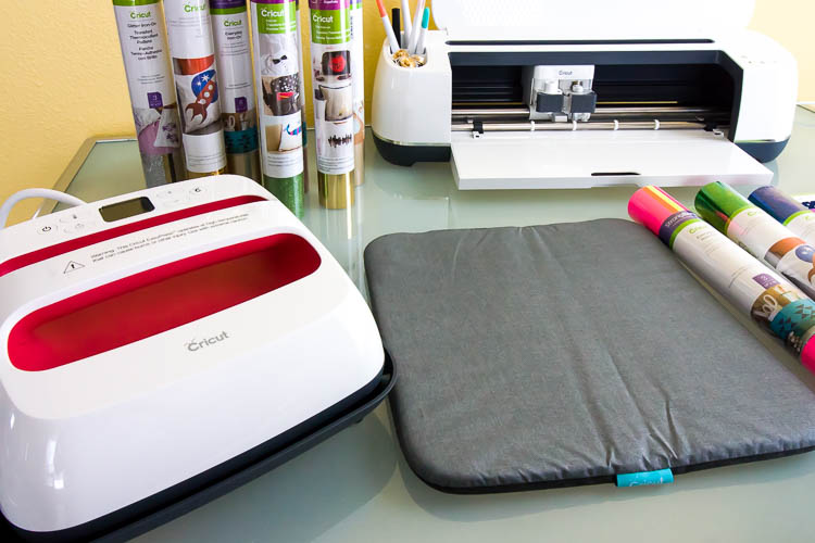 cricut-machine-and-easypress-on-table