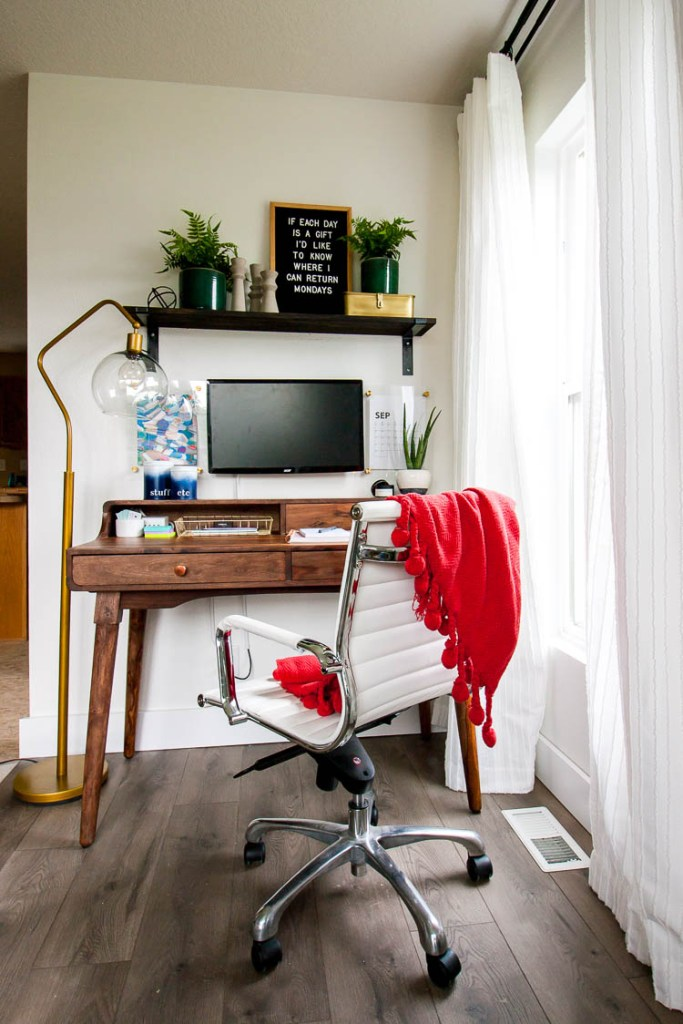 organized-home-office-in-corner-of-living-room