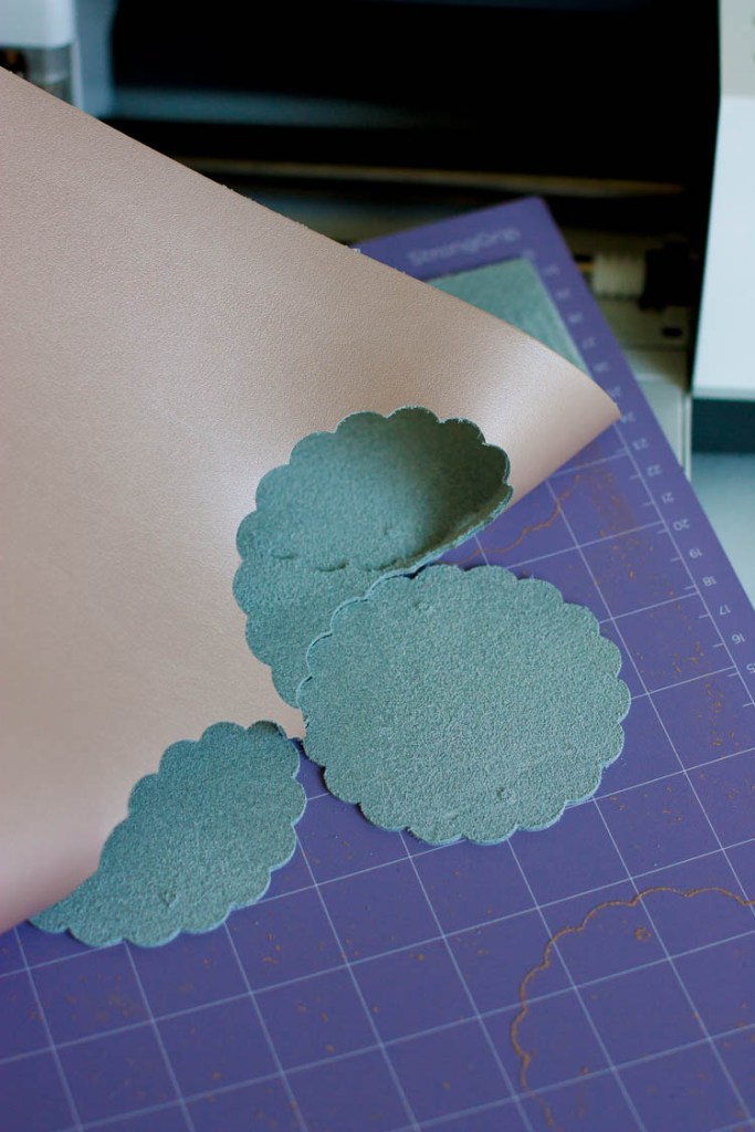 leather-on-cricut-cutting-mat
