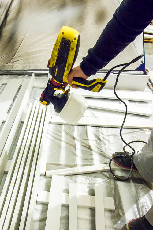 peinture de la garniture avec le pulvérisateur de peinture flexible-wagner