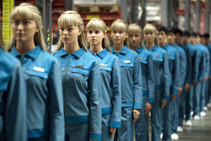 Real Humans saison 2, revue du Hubot