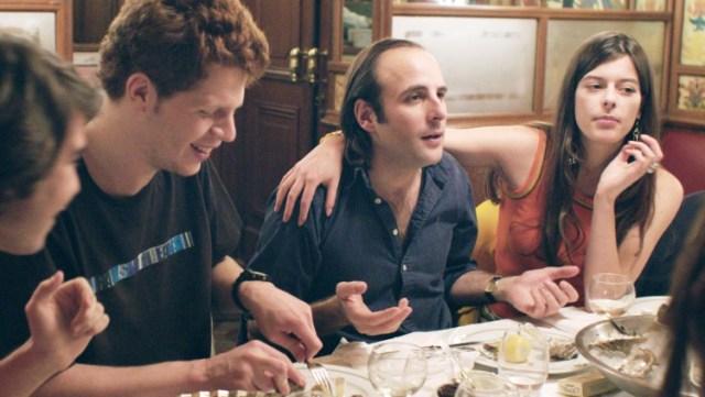 Vincent Macaigne, excellent en second rôle d'animateur radio qui prend Cheers sous son aile. (Crédit : Ad Vitam)