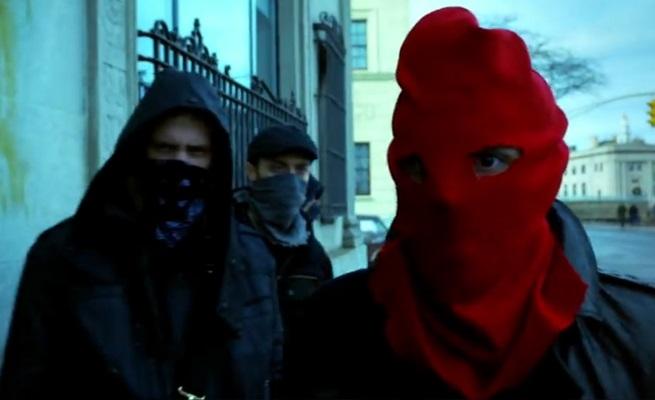 Gotham saison 1 - Gotham 1x17 : Red Hood red hood gotham 124332