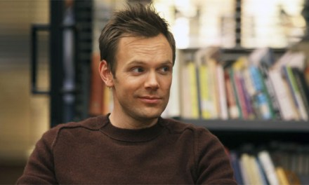 Joel McHale rejoint X-Files