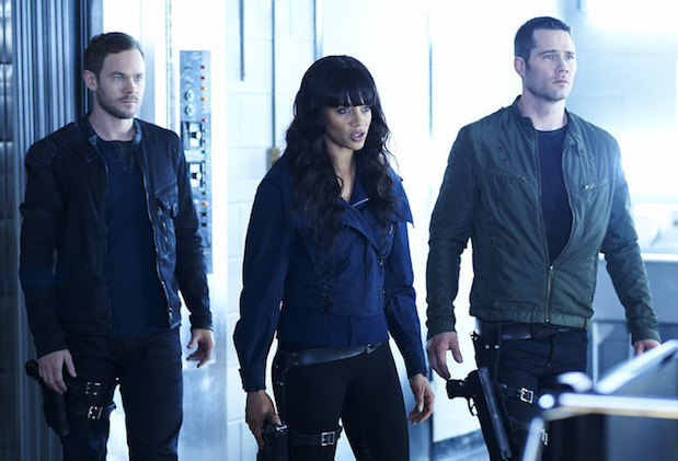 syfy - Killjoys saison 1 - Petite aventure spatiale killjoys renewed