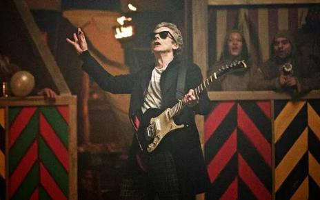 doctor who - Doctor Who : une compagne nommée Bill ! doctor who saison 9 magician apprentice critique