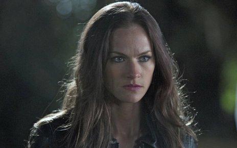 syfy - Ce dimanche, la série Van Helsing débarque sur SyFy Kelly Overton Cast In Van Helsing1