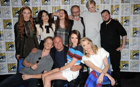 game of thrones - #SDCC - Game Of Thrones se détend (teaser saison 7, bétisier) comic con international 2015 game of thrones panel