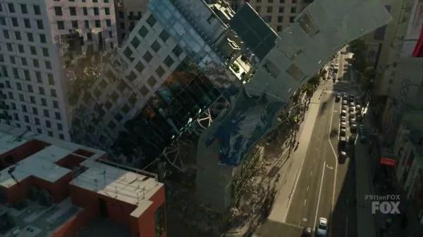 9-1-1 - 9-1-1, saison 2 (suivi critique, épisode 11) 9 1 1 Season 2 Episode 2 7.1 Collapsing Hotel
