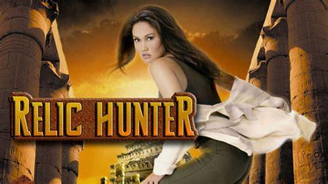 angel - Friends, Roswell, Angela 15 ans... Quelles séries fêtent leurs 20 ou 25 ans cette année ? relic hunter