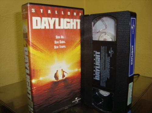 daylight - Daylight( 1996): Stallone, un chien un tunnel, un flop