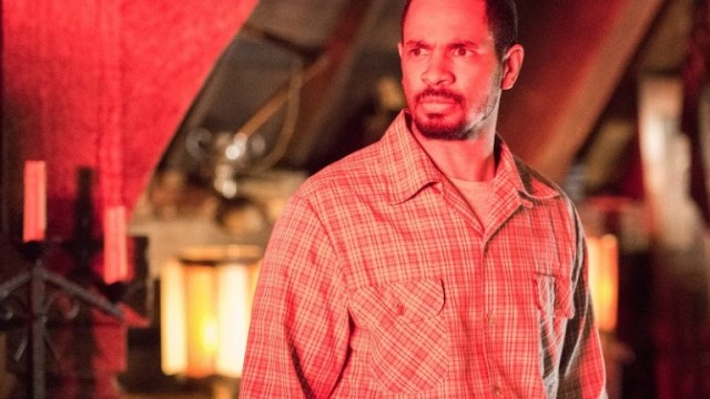 the twilight zone - The Twilight Zone : date, trailer et casting de la saison 2 Damon Wayans Jr. in A Small Town
