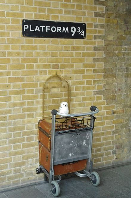 Platform 9 3/4 | Bert Seghers / Wikimedia Commons