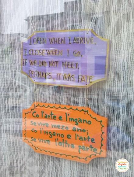 Signs_Venice_Burano_01