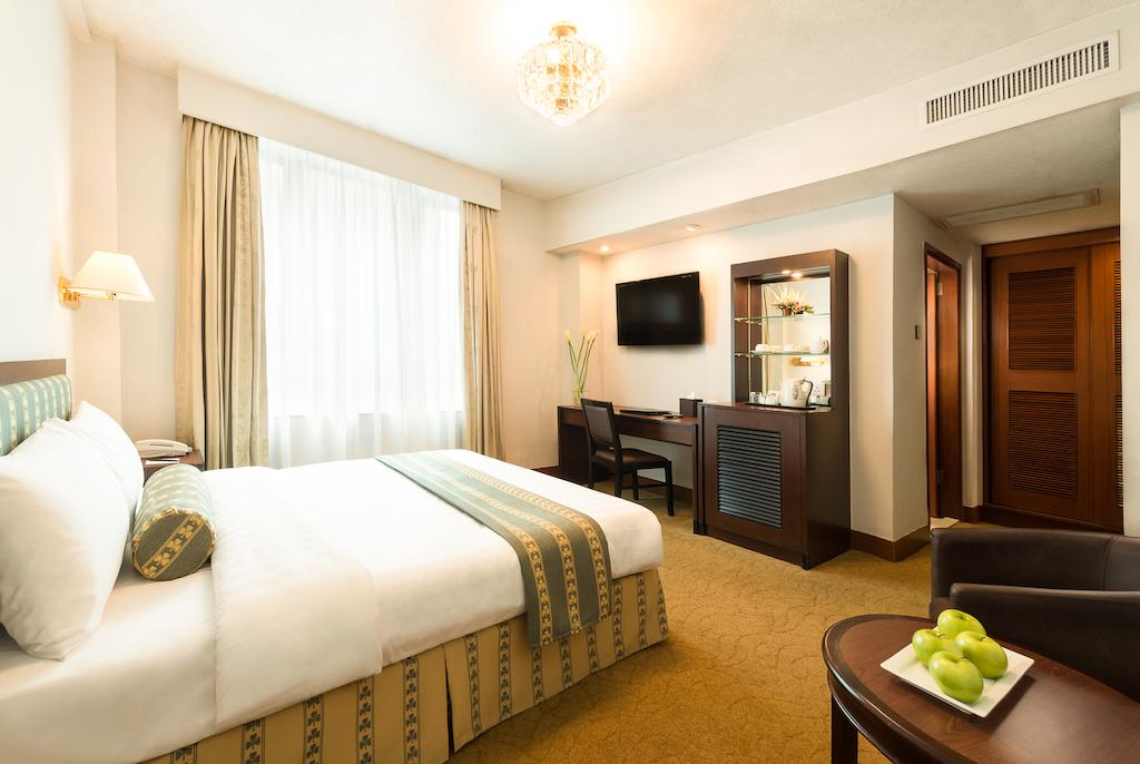 SGMT | Hong Kong Hotels and Hostels Near Train Station | Shamrock Hotel
