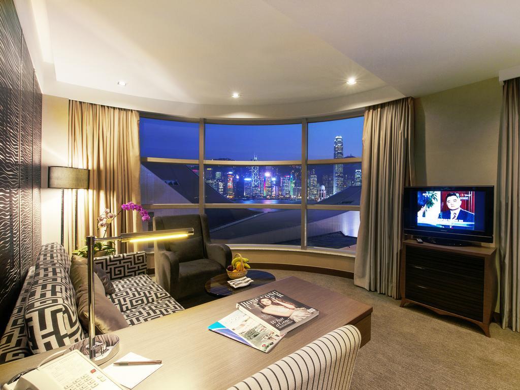 SGMT | Hong Kong Hotels and Hostels Near Train Station | The Salisbury - YMCA of Hong Kong