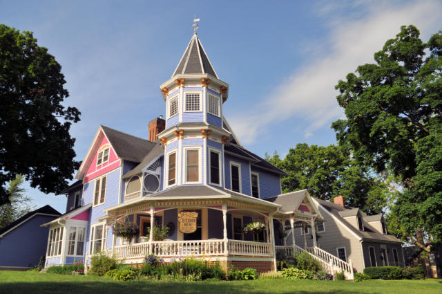 Historic Hutchinson House Bed & Breakfast
