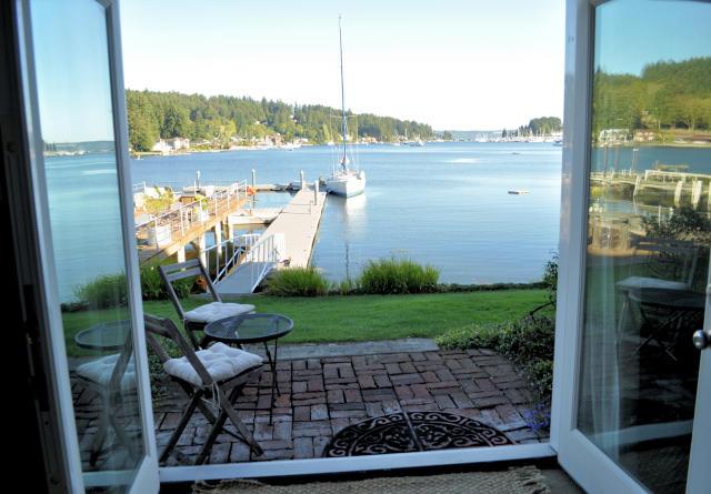 Waterfront Inn Water View