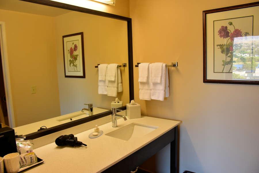 The bathroom at the Coast Wenatchee Center Hotel.