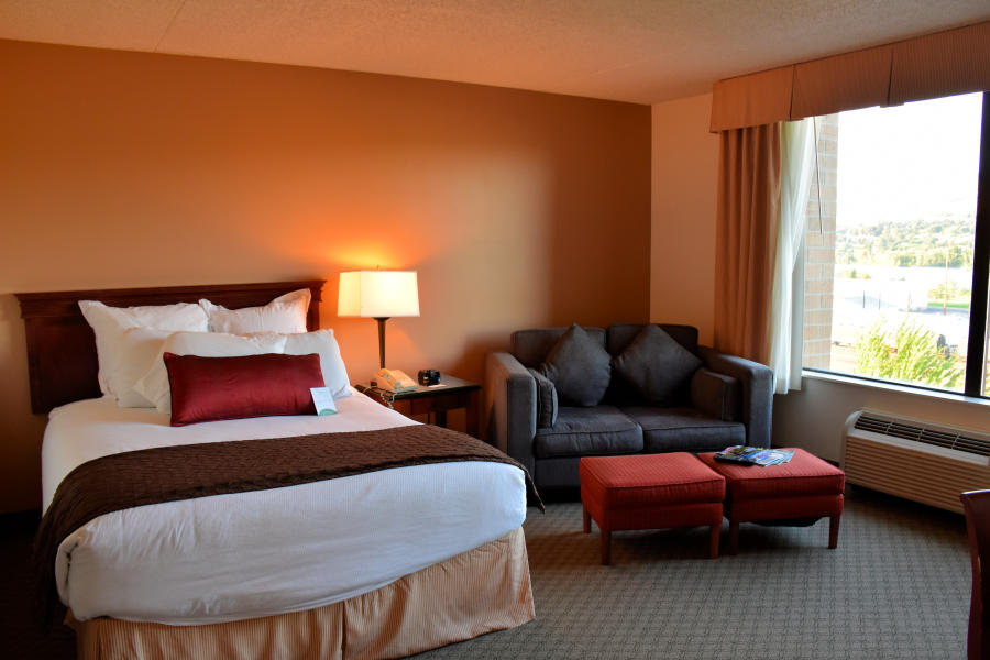 Deluxe king room at the Coast Wenatchee Center Hotel.