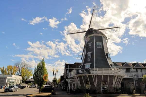 The Windmill in Lynden, Washington.