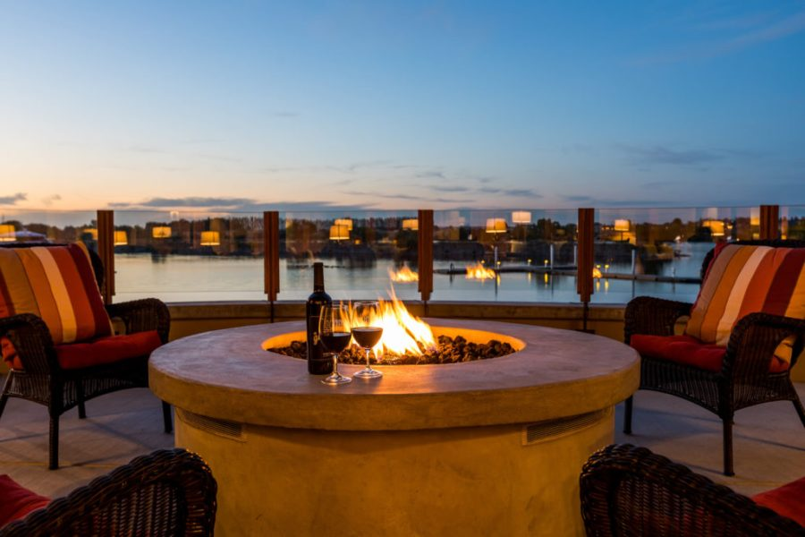 The outdoor patio at The Lodge at Columbia Point in Richland, Washington.