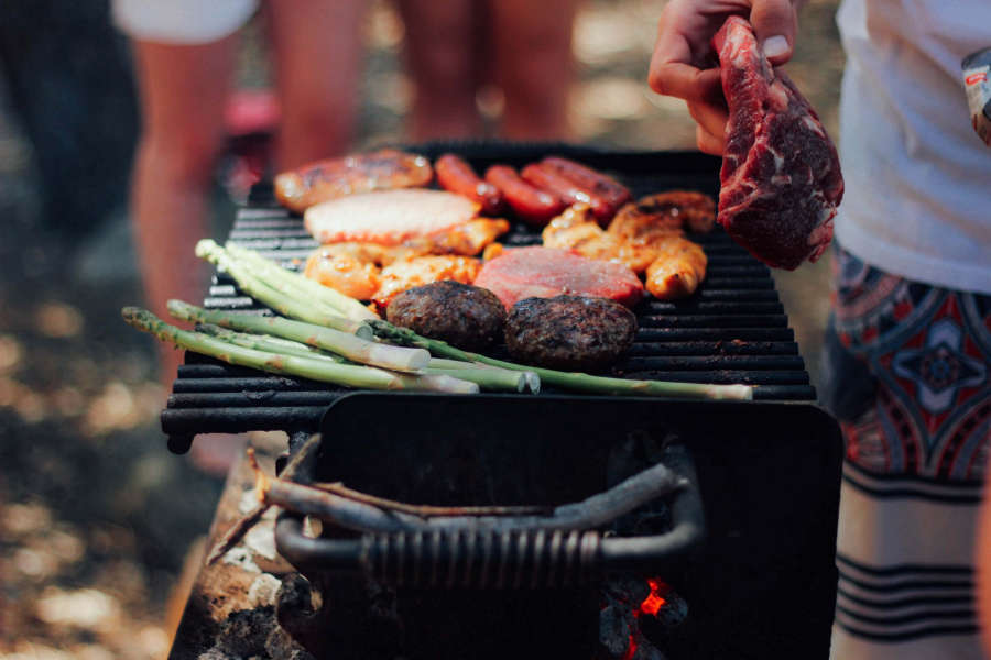 Barbecue traditions in the USA.