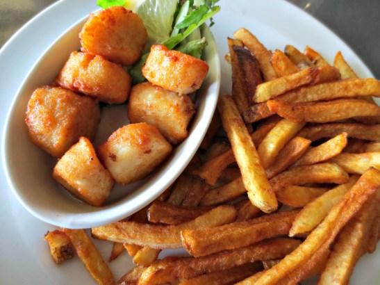Halifax Dartmouth Evan's Seafood digby scallops and fries
