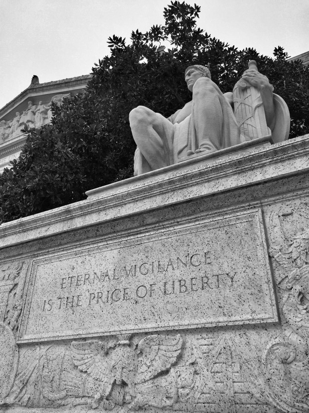 statue at the national archieves building in washington dc